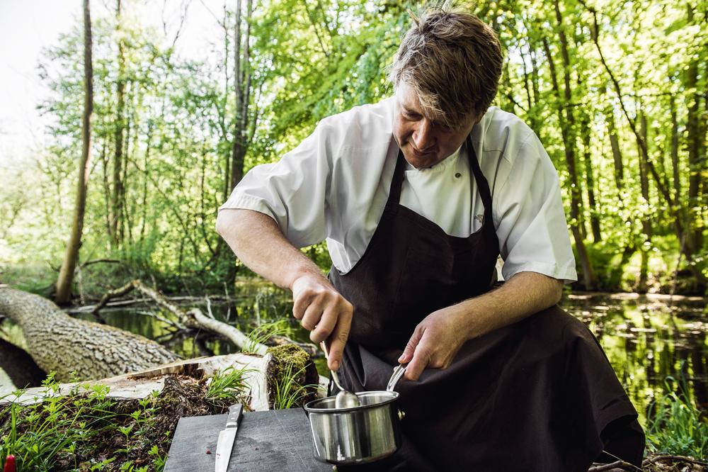 Claus Henriksen er køkkenchef på Dragsholm Slot ved Lammefjorden.