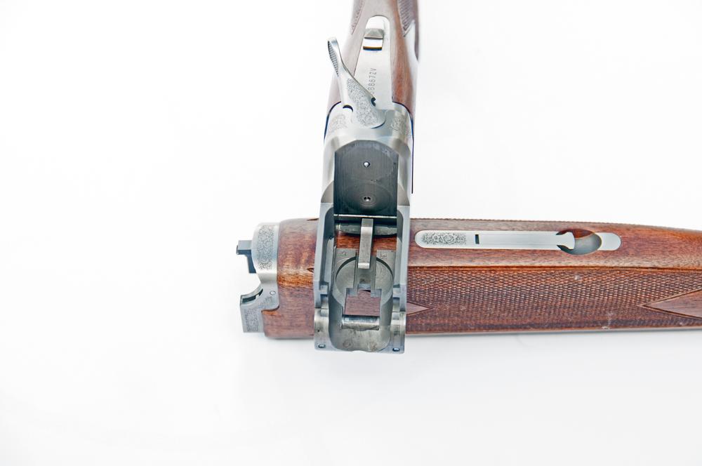 CNC-maskinen har 'skåret' hele låseblokken ud af ét stykke stål på en meget gennemført måde på Browning B525 Hunter.